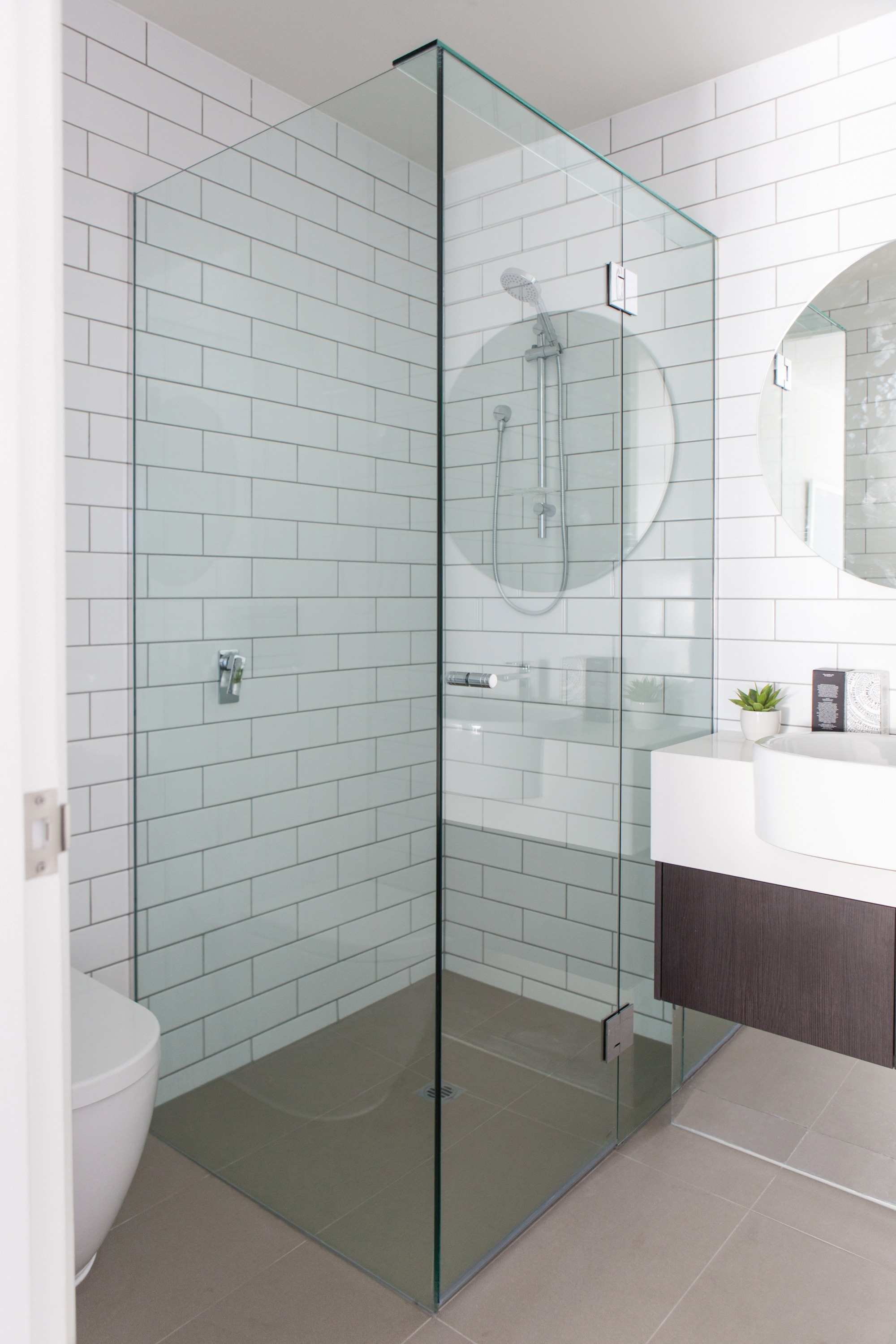 Frameless Standard enclosure 850 x 850 for 900 base - Pipers ...